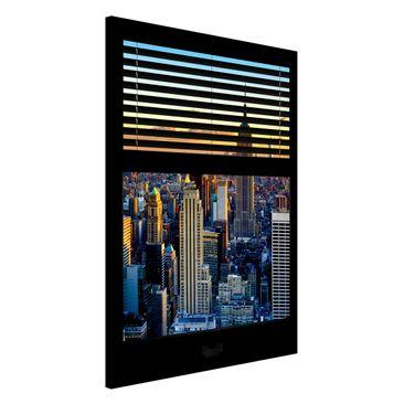 Produktfoto Magnettafel - Fensterausblick Jalousie - Sonnenaufgang New York - Memoboard Hoch