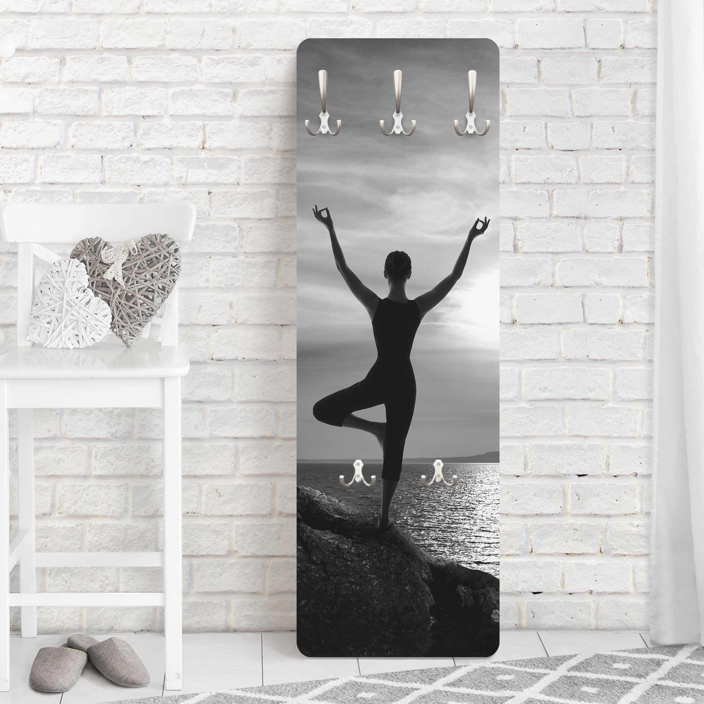 garderobe yoga schwarz weiss. Black Bedroom Furniture Sets. Home Design Ideas