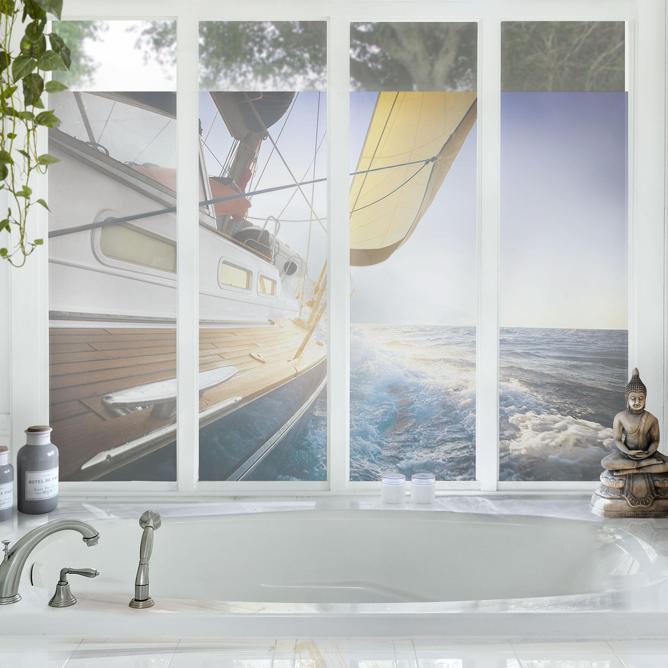 fensterfolie sichtschutz fenster segelboot auf blauem meer bei sonnenschein blumen fensterbilder. Black Bedroom Furniture Sets. Home Design Ideas