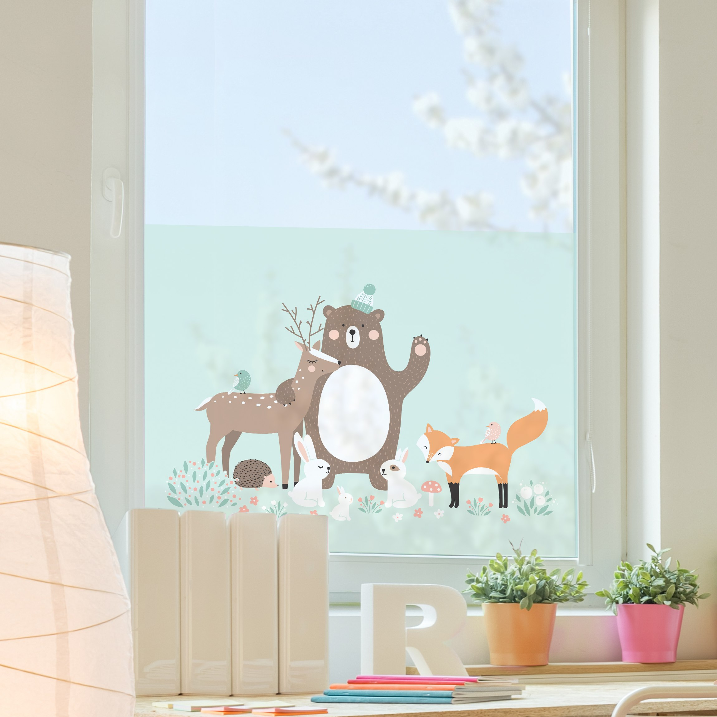 fensterfolie sichtschutz fenster forest friends mit waldtieren blau blumen fensterbilder. Black Bedroom Furniture Sets. Home Design Ideas