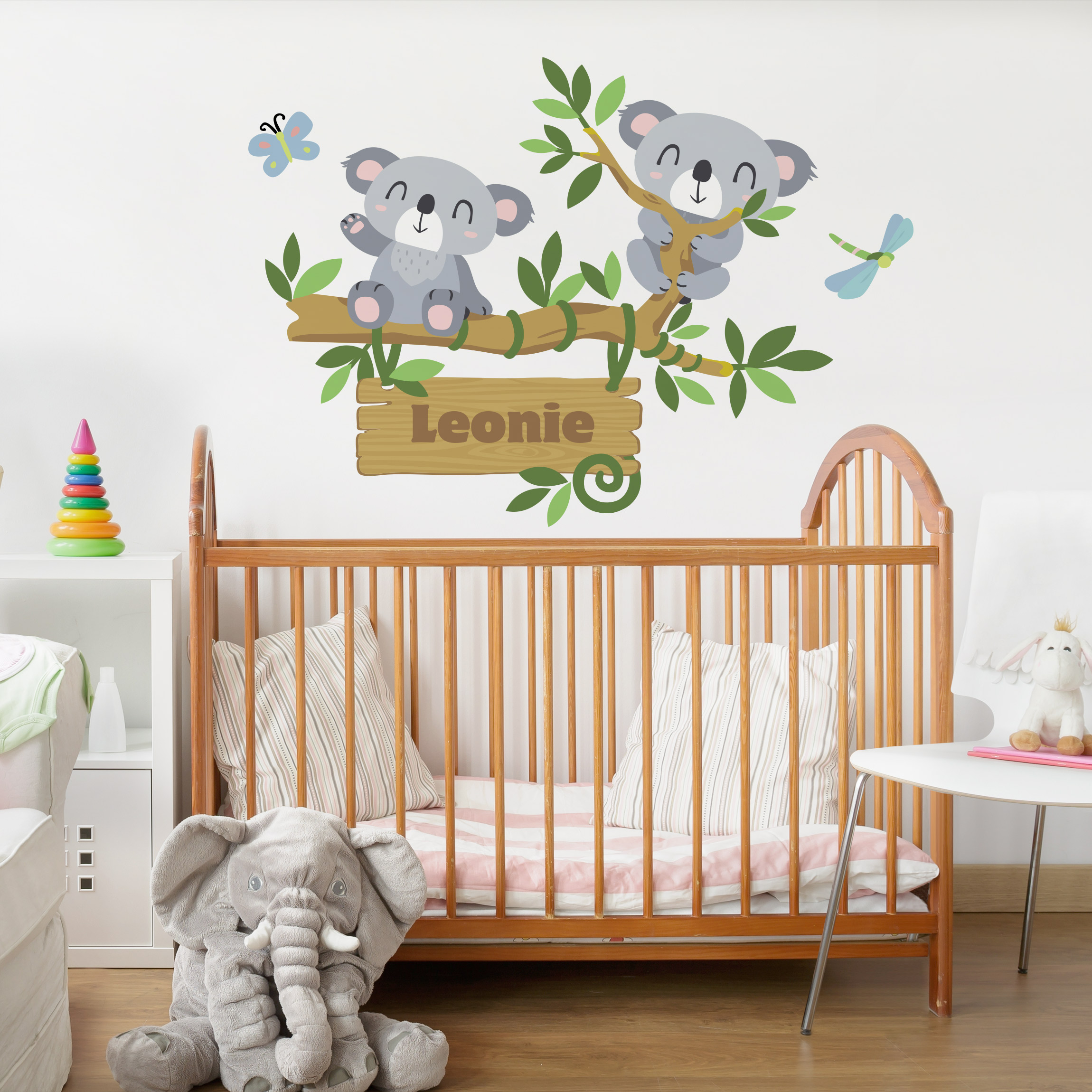 wandtattoo namen kinderzimmer koala baum wunschtext. Black Bedroom Furniture Sets. Home Design Ideas