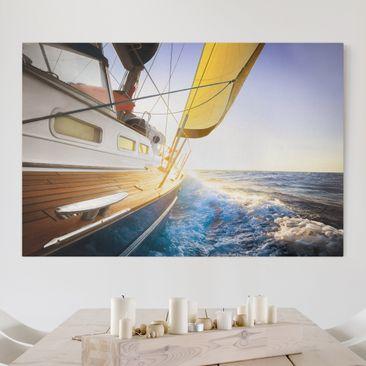 Produktfoto Leinwandbild - Segelboot auf blauem Meer bei Sonnenschein - Quer 2:3, vergrößerte Ansicht in Wohnambiente, Artikelnummer 205494-XWA