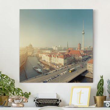 Produktfoto Leinwandbild - Berlin am Morgen - Quadrat 1:1, vergrößerte Ansicht in Wohnambiente, Artikelnummer 206282-XWA