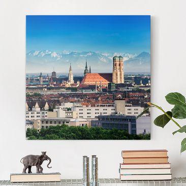 Produktfoto Leinwandbild - München - Quadrat 1:1, vergrößerte Ansicht in Wohnambiente, Artikelnummer 206617-XWA