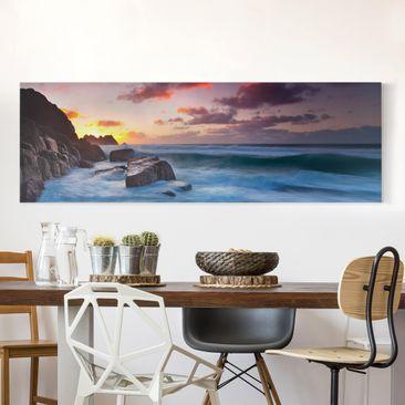 Produktfoto Leinwandbild - Am Meer in Cornwall - Panorama Quer, vergrößerte Ansicht in Wohnambiente, Artikelnummer 207741-XWA