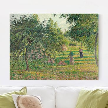 Produktfoto Leinwandbild - Camille Pissarro - Apfelbäume und Heuwender in Eragny - Quer 3:4, vergrößerte Ansicht in Wohnambiente, Artikelnummer 210604-XWA