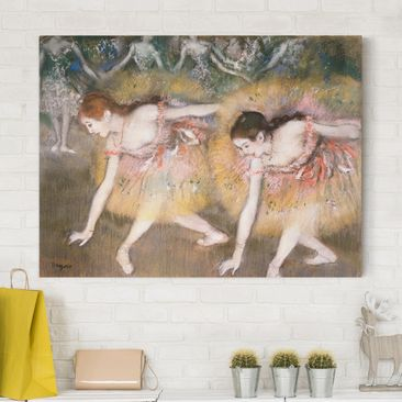Produktfoto Leinwandbild - Edgar Degas - Sich verbeugende Ballerinen - Quer 3:4, vergrößerte Ansicht in Wohnambiente, Artikelnummer 210638-XWA