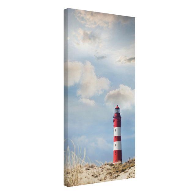 Produktfoto Leinwandbild - Leuchtturm in den Dünen - Hoch 2:1, Spiegelkantendruck links, Artikelnummer 211793-FL