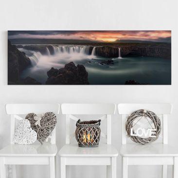 Produktfoto Leinwandbild - Goðafoss Wasserfall in Island - Panorama Quer, vergrößerte Ansicht in Wohnambiente, Artikelnummer 212442-XWA