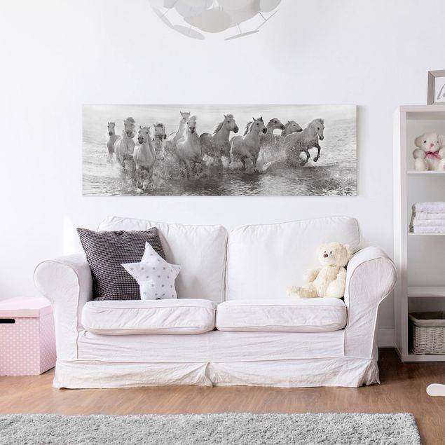 Produktfoto Leinwandbild - Weiße Pferde im Meer - Panorama Quer, in Wohnambiente, Artikelnummer 212477-WA