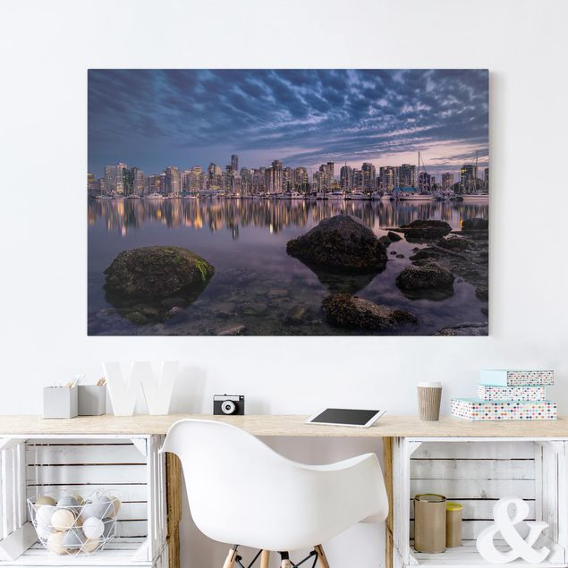 Produktfoto Leinwandbild - Vancouver im Sonnenuntergang - Quer 2:3, in Wohnambiente, Artikelnummer 212732-WA