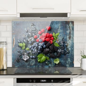 Immagine del prodotto Paraschizzi in vetro - Berry Mix With Ice Cubes Wood - Orizzontale 3:4