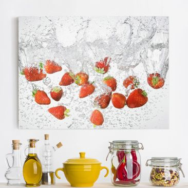 Immagine del prodotto Stampa su tela - Fresh Strawberries In Water - Orizzontale 3:4