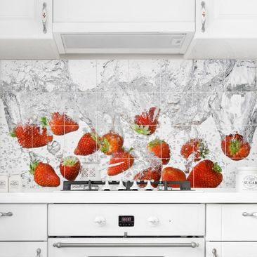 Product picture Tile Mural Fresh strawberries in water...