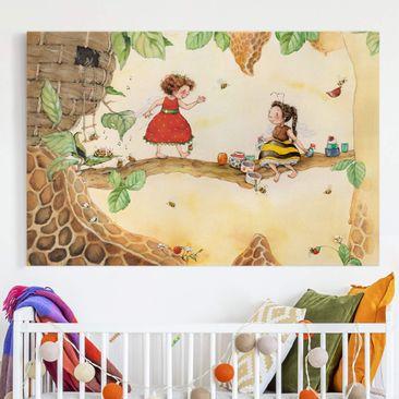 Produktfoto Leinwandbild - Erdbeerinchen Erdbeerfee - Bei der Bienenfee - Querformat 2:3, vergrößerte Ansicht in Wohnambiente, Artikelnummer 225647-XWA