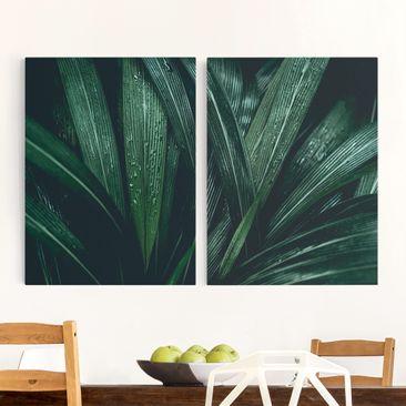 Produktfoto Leinwandbild 2-teilig - Grüne Palmenblätter - Hoch 4:3, vergrößerte Ansicht in Wohnambiente, Artikelnummer 225899-XWA