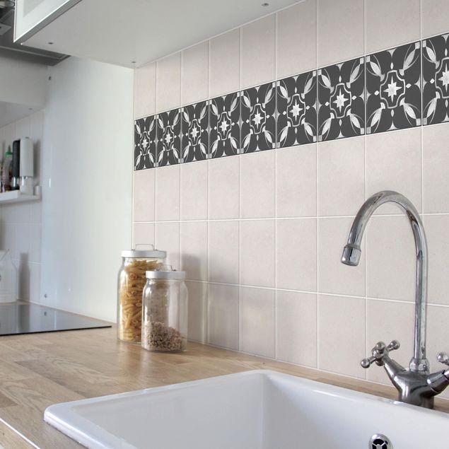 Produktfoto Fliesen Bordüre - Muster Dunkelgrau Weiß Serie No.01 - 10cm x 10cm Fliesensticker Set