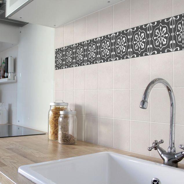 Produktfoto Fliesen Bordüre - Muster Dunkelgrau Weiß Serie No.04 - 15cm x 15cm Fliesensticker Set