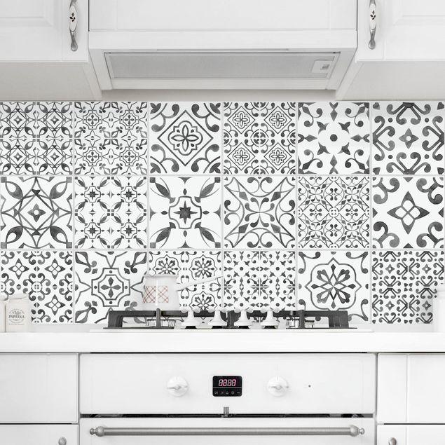Produktfoto Fliesenaufkleber 20er Set - Grau Weiß Muster Mix - 15cm x 15cm Fliesensticker Set