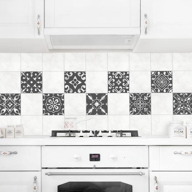Produktfoto Fliesenaufkleber 9er Set - Muster Dunkelgrau Weiß Serie - 15cm x 15cm Fliesensticker Set