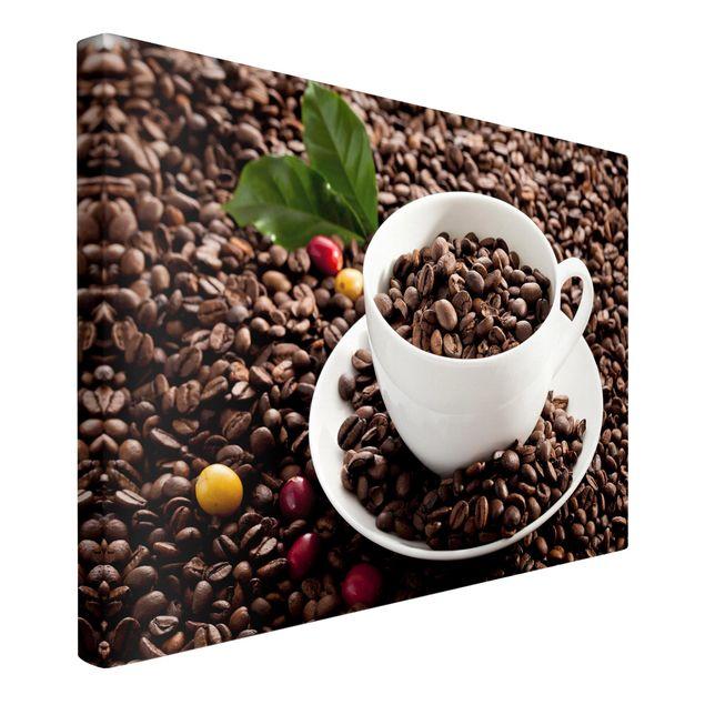 Produktfoto Leinwandbild - Kaffeetasse mit gerösteten Kaffeebohnen - Querformat 2:3, Spiegelkantendruck links, Artikelnummer 226864-FL