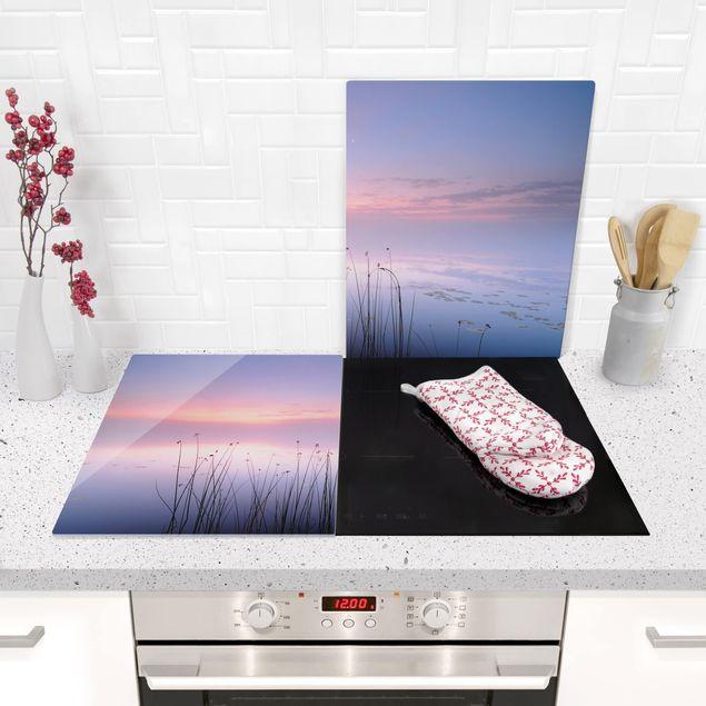 Produktfoto Herdabdeckplatte Glas - Idylle am See - 52x80cm, in Wohnambiente, Artikelnummer 228494-WA