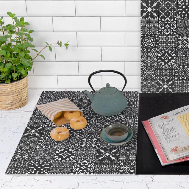 Produktfoto Herdabdeckplatte Glas - Musterfliesen Dunkelgrau Weiß - 52x80cm, Anwendungsbeispiel, Artikelnummer -XWAF