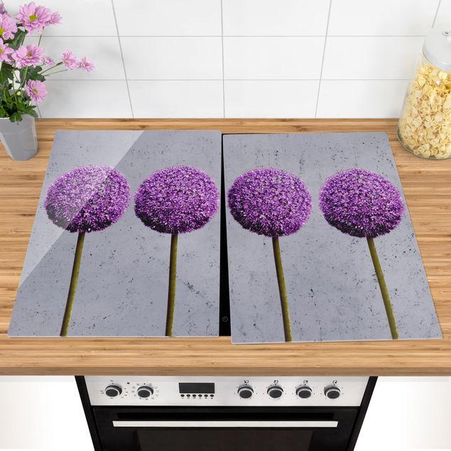 Produktfoto Herdabdeckplatte Glas - Allium Kugel-Blüten - 52x80cm, vergrößerte Ansicht in Wohnambiente, Artikelnummer -XWA