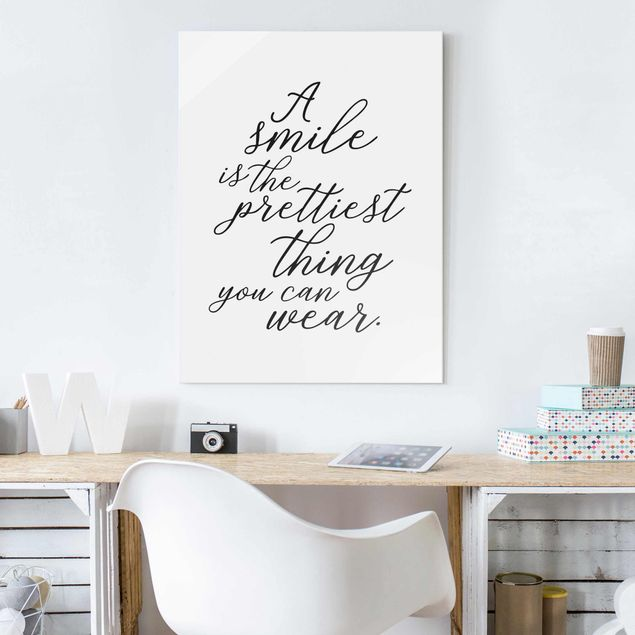 Produktfoto Glasbild - A smile is the prettiest thing - Hochformat 4:3