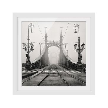 Product picture Framed print - Bridge In Budapest -...