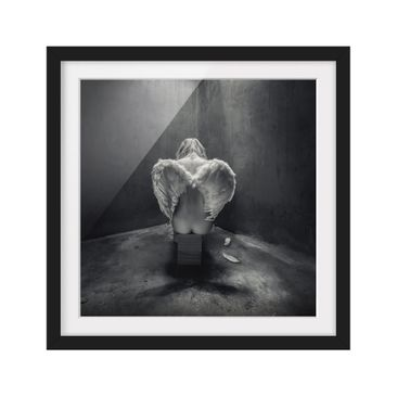 Product picture Framed print - Busted - Square Format...