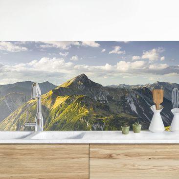Produktfoto Küchenrückwand - Berge und Tal der Lechtaler Alpen in Tirol vergrößerte Ansicht in Wohnambiente Artikelnummer 235722-XWA