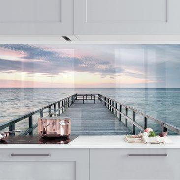 Produktfoto Küchenrückwand - Steg Promenade vergrößerte Ansicht in Wohnambiente Artikelnummer 235930-XWA