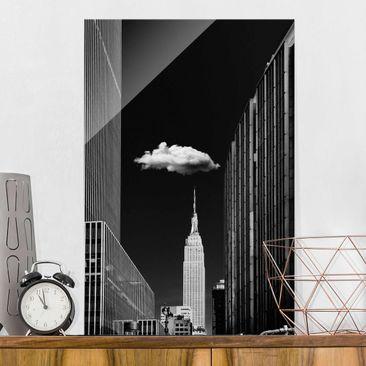 Produktfoto Glasbild - New York mit einzelner Wolke - Hochformat 3:2