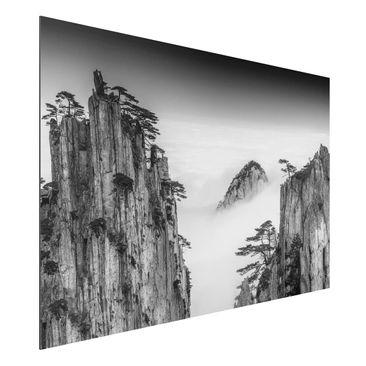 Produktfoto Aluminium Print - Felsen im Nebel schwarz-weiß - Querformat 2:3