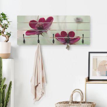 Produktfoto Wandgarderobe Holz - Pinke Kosmeen - Haken schwarz Querformat