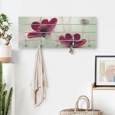 Produktfoto Wandgarderobe Holz - Pinke Kosmeen - Haken chrom Querformat