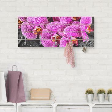 Produktfoto Wandgarderobe Holz - Pinke Orchidee - Haken chrom Querformat