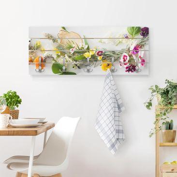 Produktfoto Wandgarderobe Holz - Frische Kräuter mit Essblüten - Haken chrom Querformat