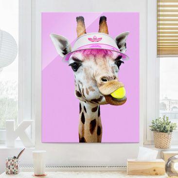 Produktfoto Glasbild - Jonas Loose - Giraffe beim Tennis - Hochformat 4:3