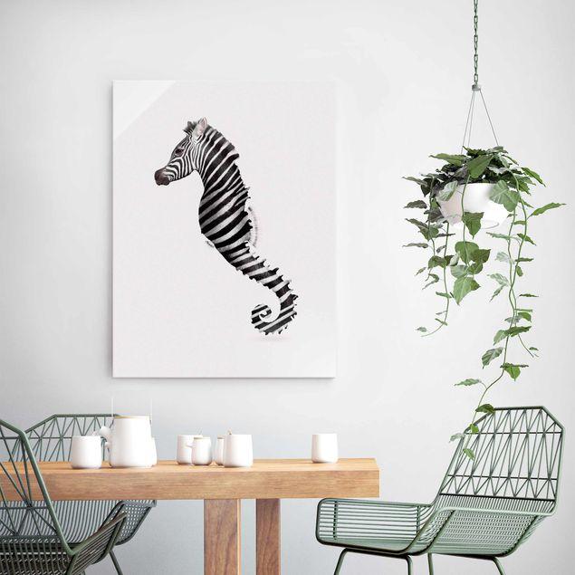 Produktfoto Glasbild - Jonas Loose - Seepferdchen mit Zebrastreifen - Hochformat 4:3