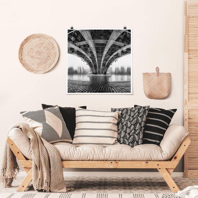 Produktfoto Poster - Under The Iron Bridge - Quadrat 1:1