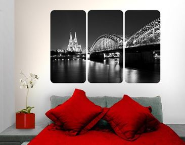Produktfoto Wall Mural Cologne At Night II Triptych...
