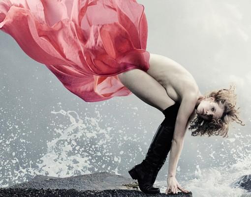 Produktfoto Leinwandbild Oval Frau am Meer