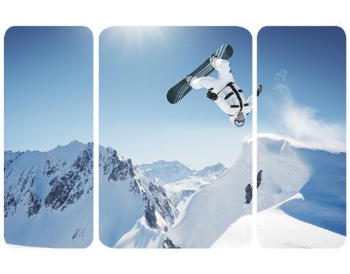Produktfoto Selbstklebendes Wandbild Fliegender Snowboarder Triptychon II