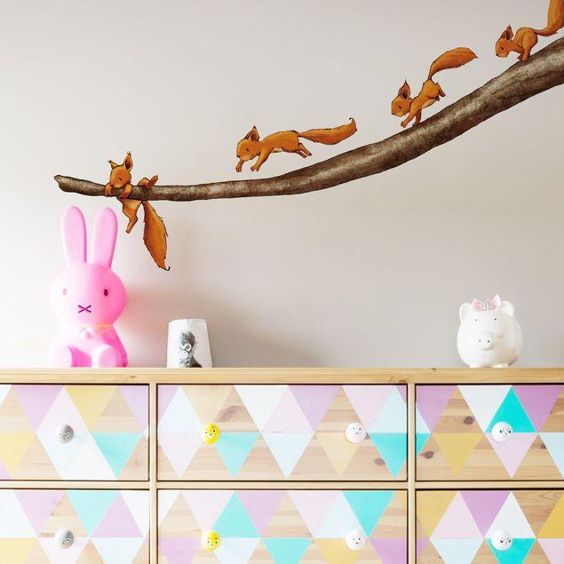 Produktfoto Wandtattoo Wald Babyzimmer Einhörnchen, halt dich fest!