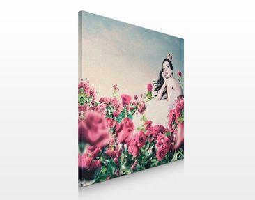Produktfoto Leinwandbild No.232 Frau im Rosenfeld 70x70cm