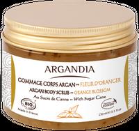 Mit Rohrzucker und biologischem Arganöl. Ihre Haut wird perfekt gepflegt und zart parfümiert.