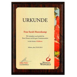 Holztafel Urkunde rot gemasert - 152 x 203 mm - verschiedene Hintergrundfarben - mit individuellem Fotodruck – Bild 1