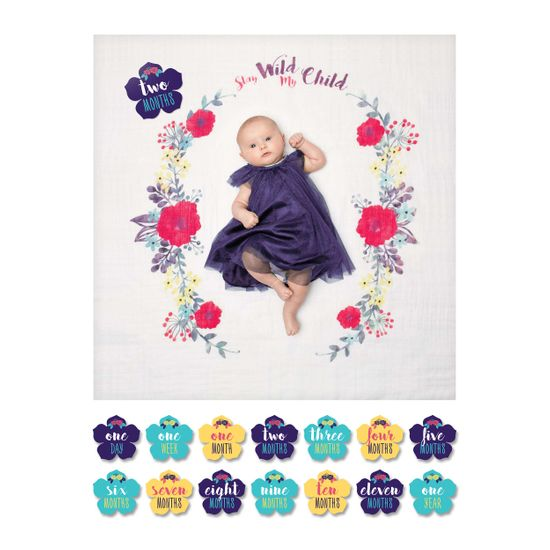 Lulujo Baby's First Year Swaddle-Blanket & Karten Set - Stay Wild My Child